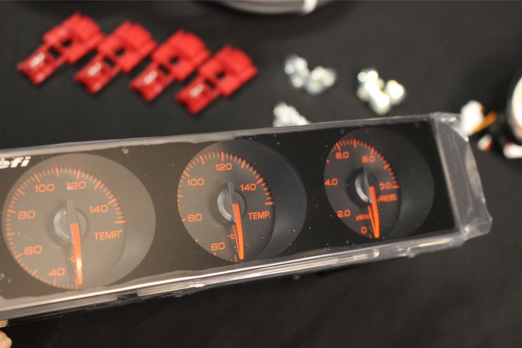 Dial: Black - Display: Red - Illumination: Red - DF14404