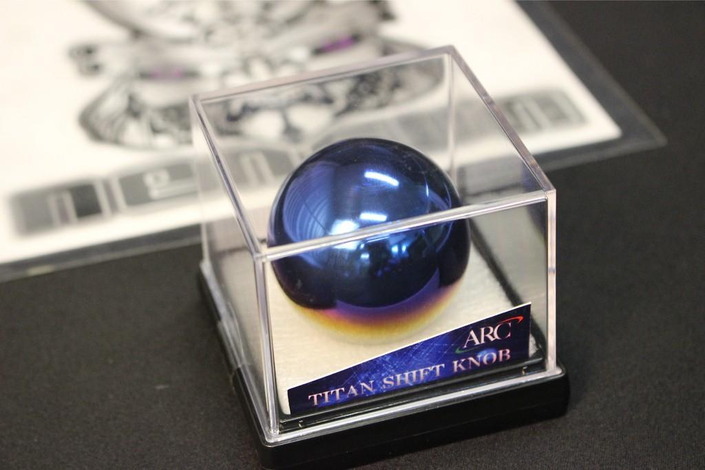 Round 45mm diameter - Colour: Specular - Thread: M10 x 1.5 - 19002-AA030