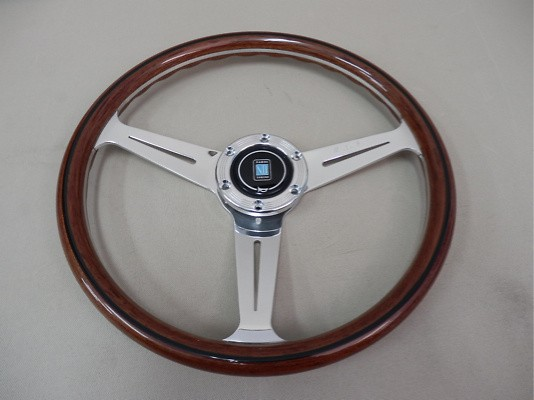 Type: Flat - Material: Vite Wood - Color: Polished Spoke - Diameter: 360mm - N161