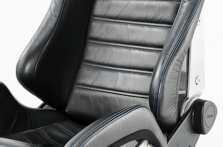 Blue Stitch - Color: Black - Cushion Type: Leather - Shell Material: Carbon Aramid - Leather Black