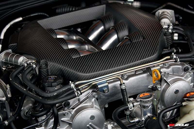 Zele Performance - Dry Carbon Engine Cover - R35 GTR
