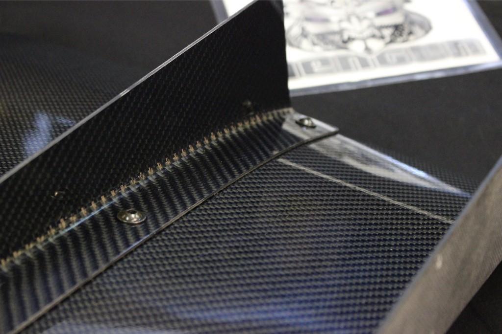 Material: Carbon - Width: 605mm - VARD-001