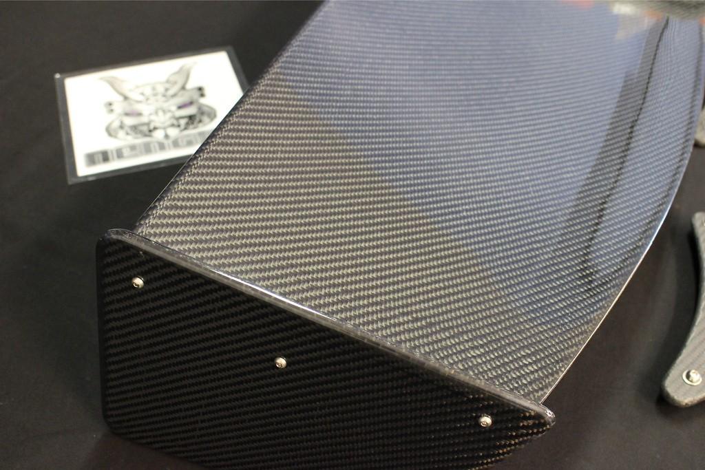 Material: Wet Carbon - Width: 1480mm - CZ4A Street