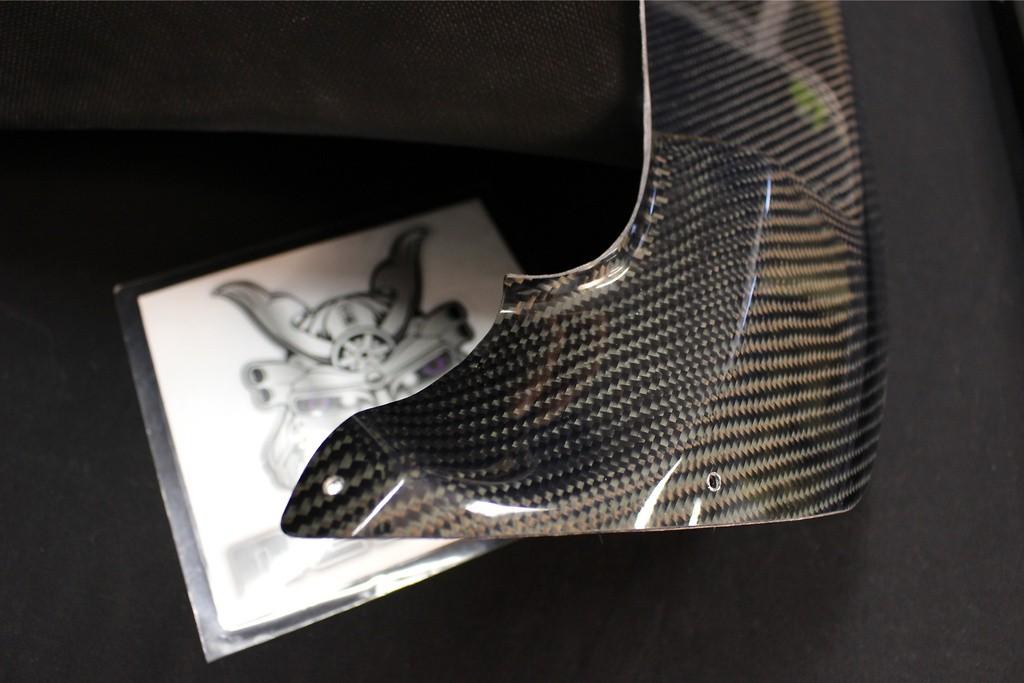 no predrilled Holes - Material: Carbon - KAF007