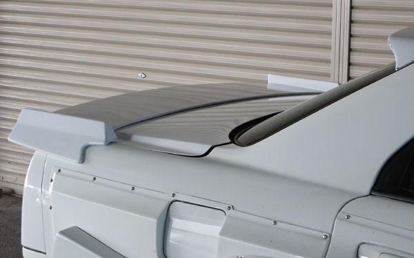 URAS - R34 Skyline - Drag Wing - 4 Door