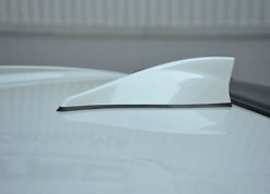 Roof Fin - Pole Antenna equipped vehicles - Colour: Satin White Pearl (37J) - Construction: ABS - MS