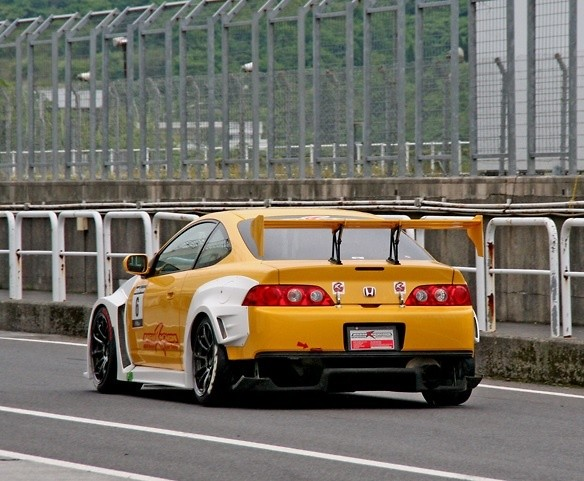 M and M Honda - INTEGRA DC5 WIDE BODY KIT