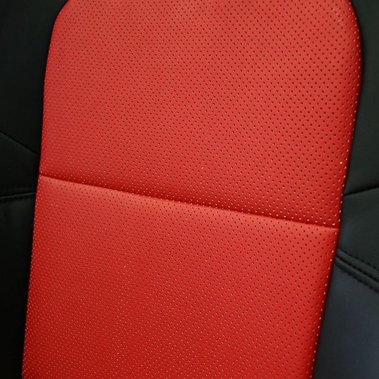 Full Set for cars without Side Airbags - Material: PVC - Color: Black - Insert: Red - Thread: Red - Seat: All - SACPTZ-BNR34-FUL