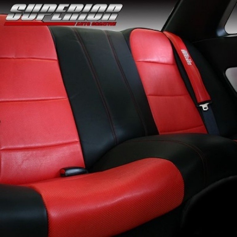 Full Set for cars with Side Airbags - Material: PVC - Color: Black - Insert: Red - Thread: Red - Seat: All - SACPTZ-BNR34-FUL