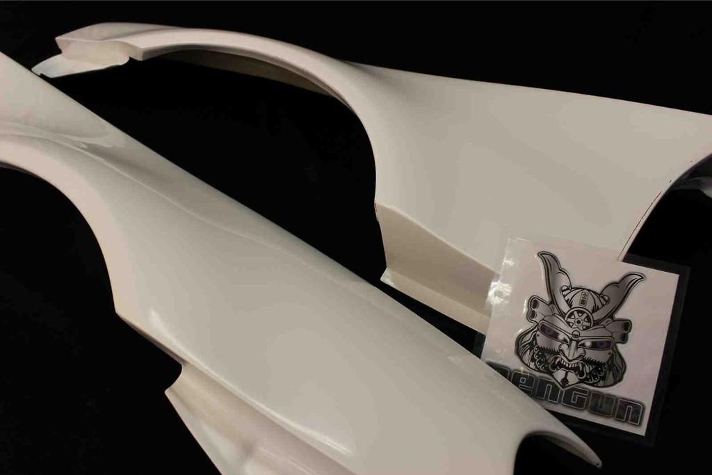 Front Fenders Left & Right - Construction: FRP - Colour: Unpainted - BNR34-FF