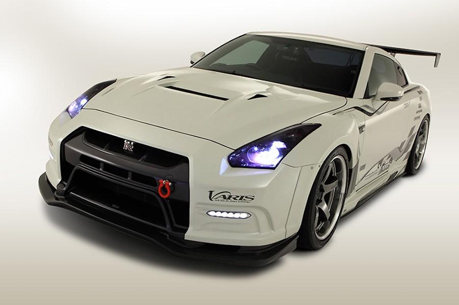 Front Bumper - Construction: Carbon + FRP - Colour: Unpainted - VANI-063
