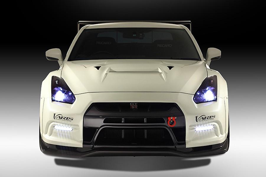 Grille Cover - for VARIS Front Bumper Only - Construction: Carbon - Colour: Unpainted - VANI-072