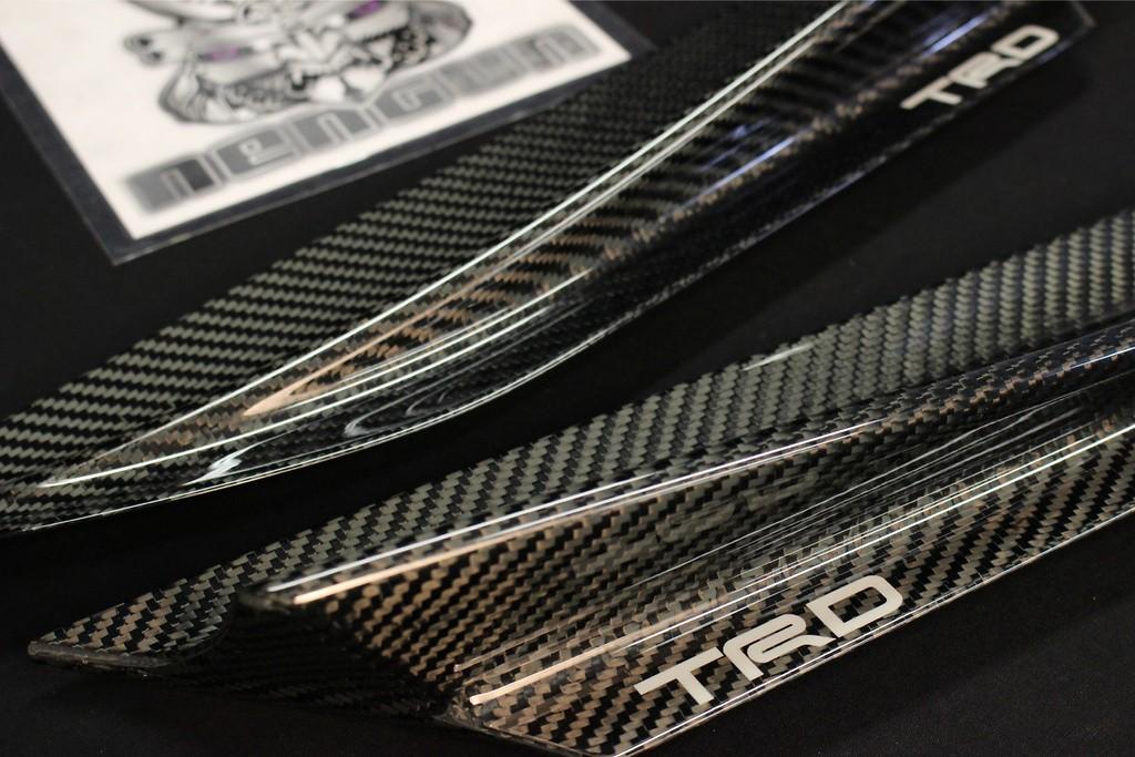 Front Fender Aero Fins - Construction: Carbon - MS345-18001