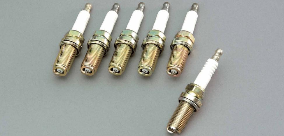 Type: Long Reach - Heat Range: 8 - 22401-RS345-8