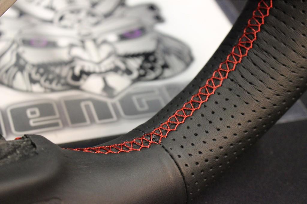 Type: D-Shape - Color: Black - Diameter: 358mm - Stitch: Red - SS358-D(F)