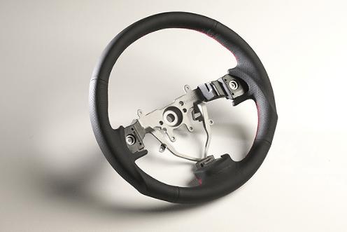 Color: Black/Red Stitch - Diameter: 358mm - Type: Round - SS358-S(F)