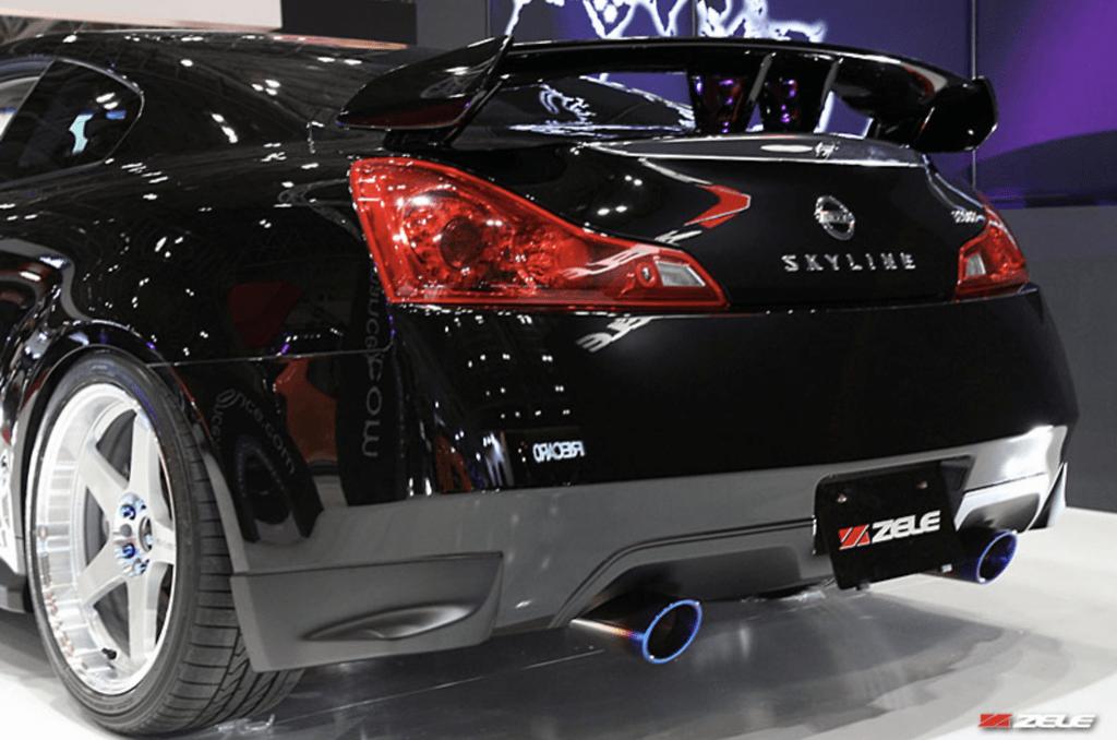 Construction: FRP - Colour: Unpainted - GT Rear Aero Bumper