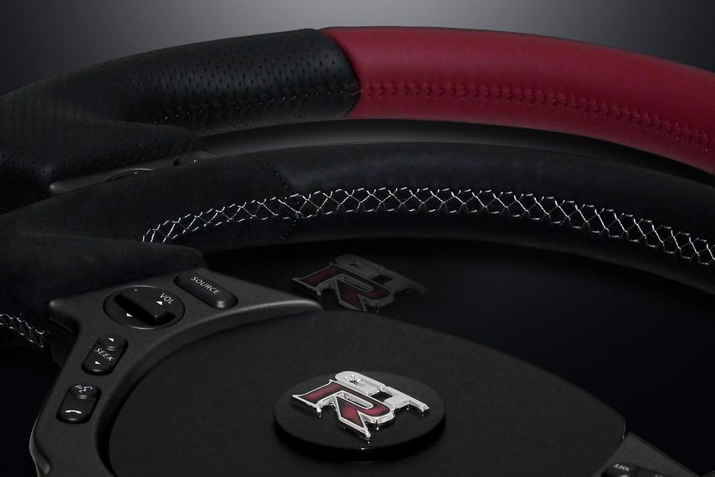 Type: D-Shape - Material: Leather/Alcantara - Color: Black - Stitch: Grey - Stitch: Red - MINESR35GTR-WHEEL