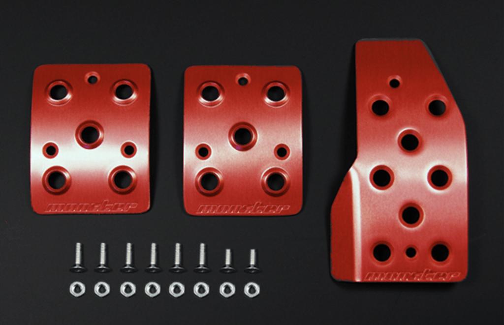 Colour: Red Alumite - Transmission: MT - 849520-4850M