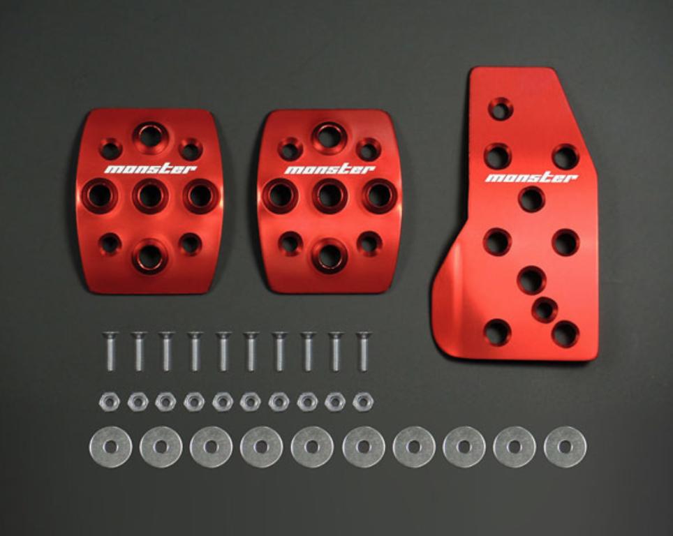 Colour: Red Alumite - Transmission: MT - 849520-4650M