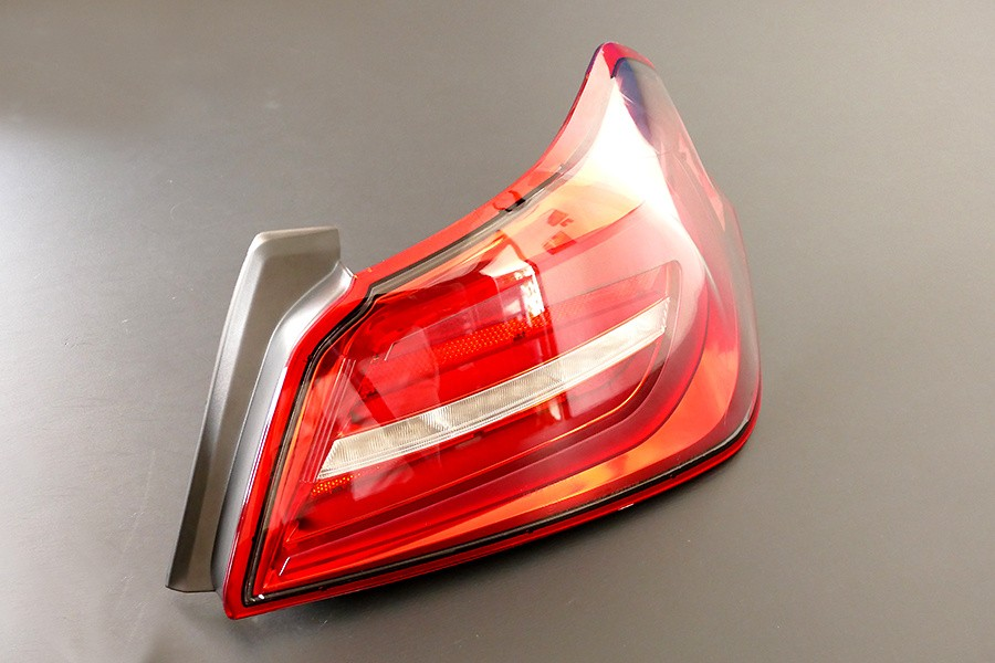 Color: Red - LIB-HAY-TLR