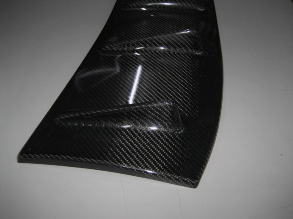 Launsport - Carbon Roof Splitter