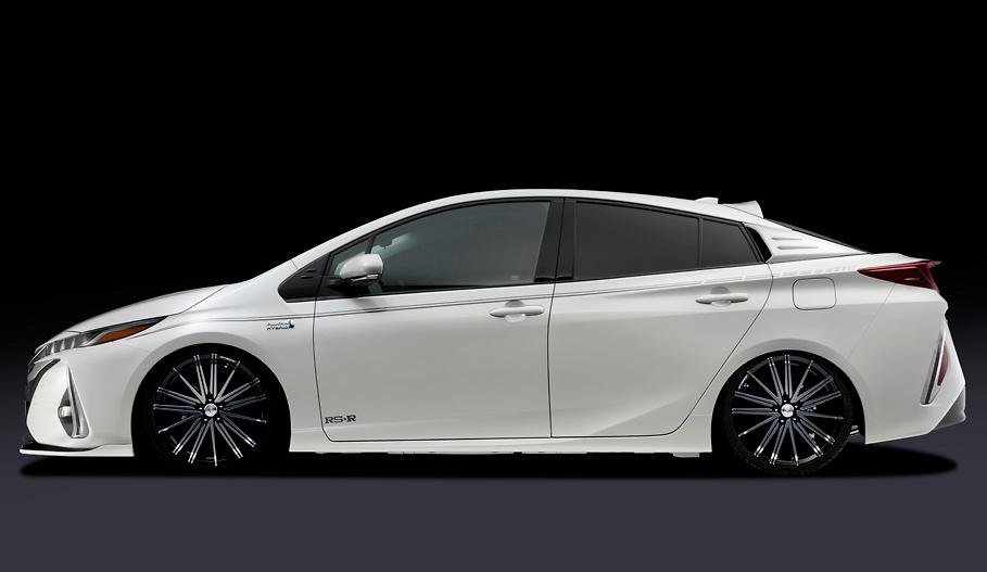 Silk Blaze - Toyota Prius PHV Aero Parts