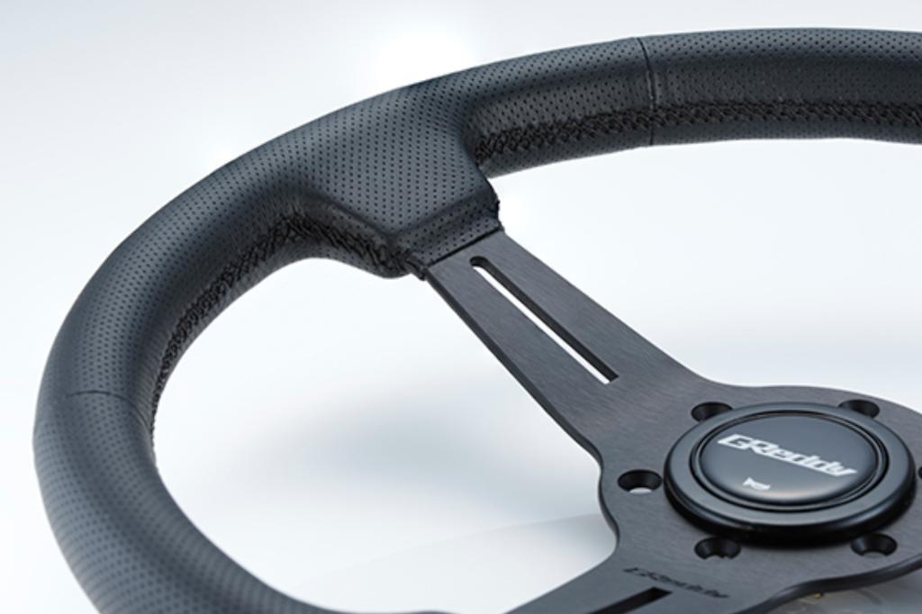 Black Edition - Material: Black leather & Black anodized - Color: Black - Diameter: 340mm - Stitch: Black - 16600003