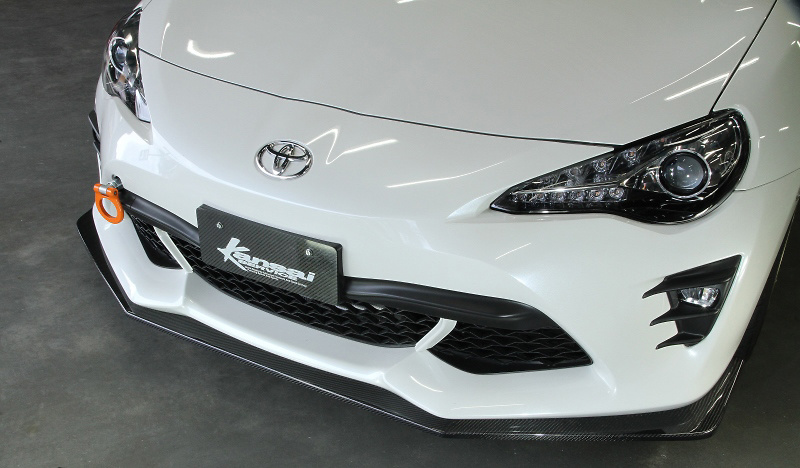 Front Lip - Construction: Carbon - KAT610