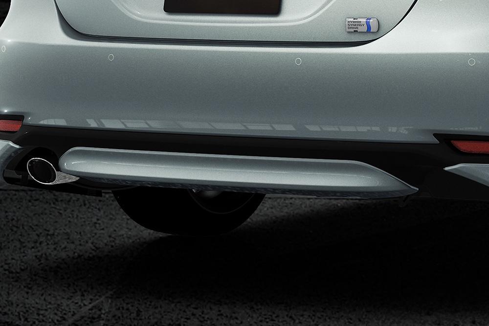 Rear Bumper Garnish - Construction: PPE - Colour: Attitude Black Mica (218) >>> C0 (Metallic Silver) - Colour: Platinum White Pearl Mica (089) >>>A1 (Black) - MS313-33001-##