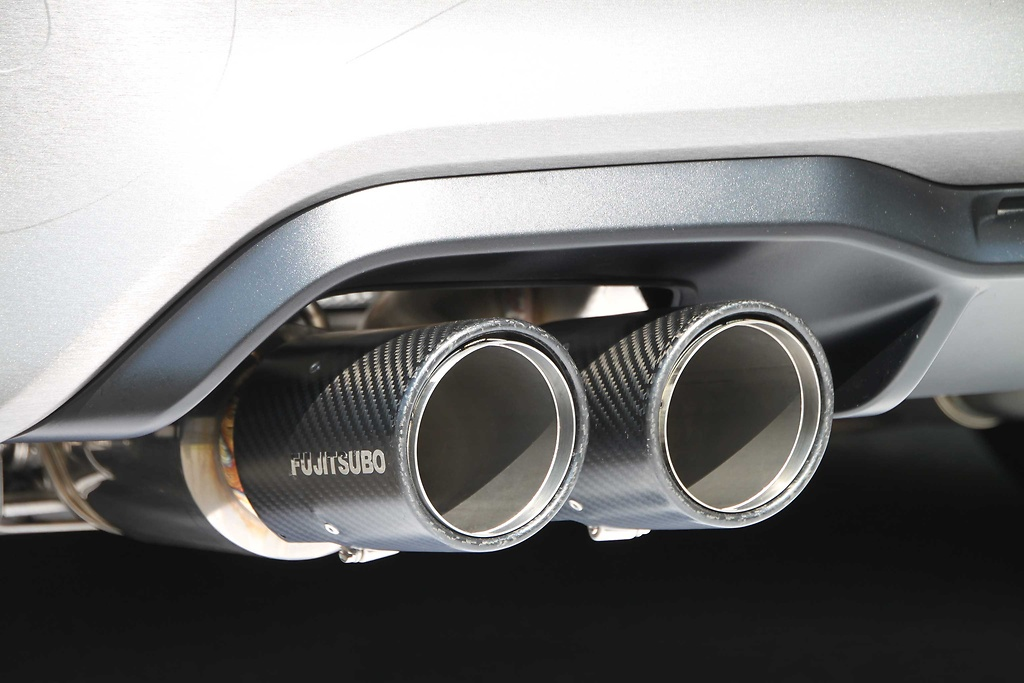 Material: Stainless Steel - Pieces: 7 - Pipe Size: 60.5mm - 70mm - Tail Size: 92mm - Tail Type: Carbon (Round Slash) - 470-96871