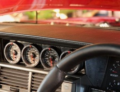 R31 House - Carbon Gauge Holder