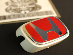 Integra Type R - DC5 - Honda Front Badge RED - White Body - Category: Exterior - 75710-S6M-Z01ZC
