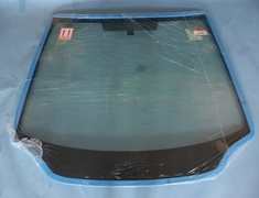 73111-SMT-J00 No 3 - Front window