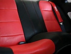Skyline GT-R - BNR34 - Full Set for cars without Side Airbags - Material: PVC - Color: Black - Insert: Red - Thread: Red - Seat: All - SACPTZ-BNR34-FUL