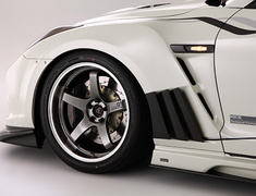 GT-R - R35 - Front Fender with Carbon Louver Fins - for VARIS Front Bumper Only - Construction: Carbon + FRP - Colour: Unpainted - VANI-074