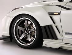 GT-R - R35 - Front Fender Garnish - Construction: Carbon - Colour: Unpainted - VANI-075