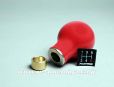 RX-7 - FD3S - Colour: Red - Badge: 5MT - Thread: M10 x P1.25 - IP-022031-R32