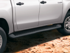 Hilux - GUN125 - 505 Side Step - Construction: Aluminum & Steel - Colour: Gloss Black - MS344-0K001