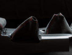 Skyline GT-R - BNR34 - Shift Boot & Hand Brake Boot Kit - Material: Alcantara - Stitch: Grey - Stitch: Red - BNR34-SB-AL