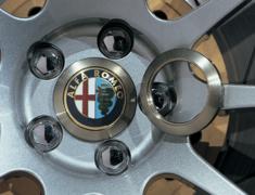 Alfa Romeo - Supported wheels: ADVAN Racing RS, RS-D, RZ, RZ-DF, TCIII, RT, RSII, GT, RGIII, RS-DF - Diameter: 65mm - Hole: PCD 98 - Quantity: 1 - Z8064