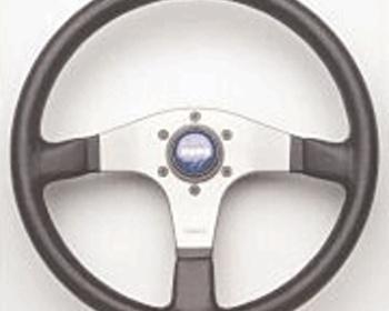 Momo Modena 2