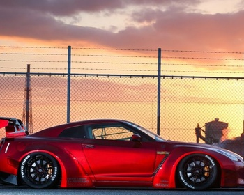 Liberty Walk - GTR R35 wide Body kit