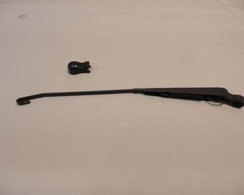 Honda - Wiper Arm LH